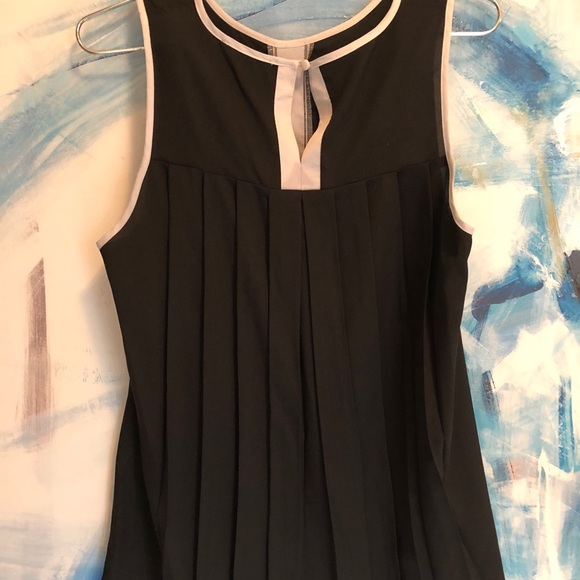 Tops - Black Top with Pleated Back and White Banding Sz M